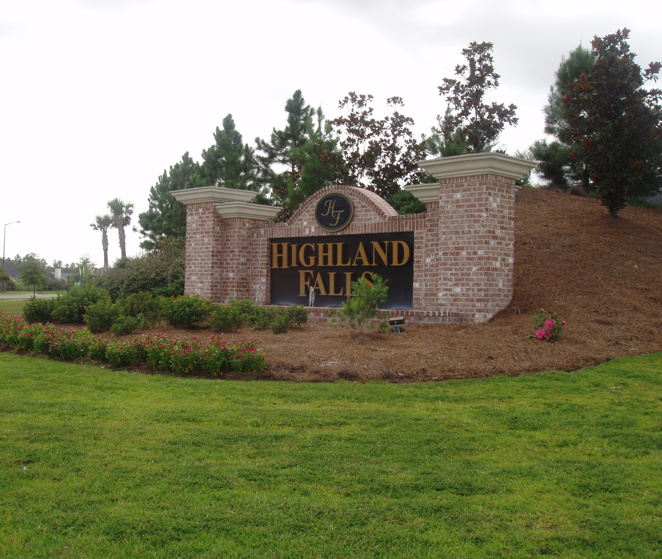 Highland Falls Entry Signage